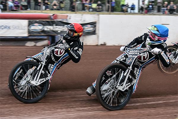 Andreas-Jonsson-Edward-Kennett-Lakeside-Hammers-Credit-Anticlockwise-photography