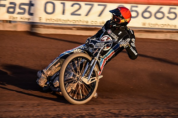Andreas-Jonsson_Lakeside-Hammers-AntiClockwise-Photography