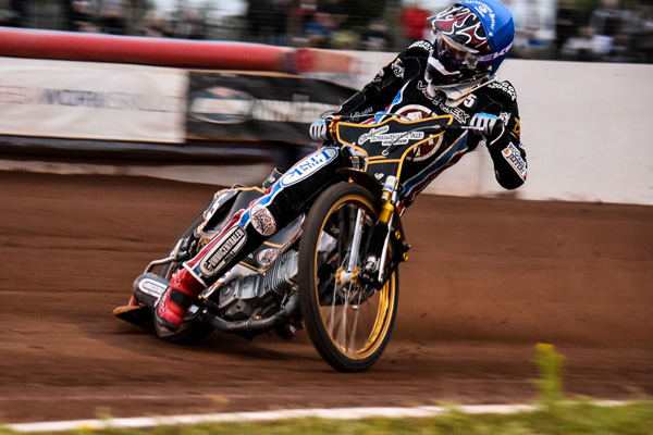 Kim Nilsson Lakeside Vortex Hammers_Credit Anticlockwise Photography